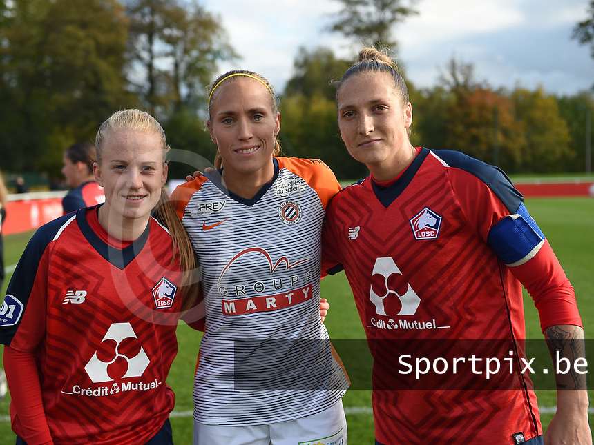 20181027 - CAMPHIN-EN-PEVELE , FRANCE : Belgian players in this game with LOSC's Silke Demeyere (L) and Maud Coutereels (L) with Montpellier's Janice Cayman (M) pictured during the 8 th competition game between the women teams of Lille OSC and Montpellier Herault Sporting Club in the 2018-2019 season of the first Division - Ligue 1 at Domaine de Luchin , Saturday 27th Octobre 2018 ,  PHOTO Dirk Vuylsteke | Sportpix.Be