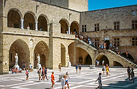 Griechenland, Dodekanes, Rhodos, Rhodos-Stadt: Grandmasters Palace - Innenhof | Greece, Dodekanes, Rhodes, Rhodes-City: Grandmaster's Palace - courtyard