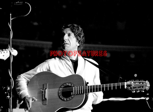Leonard Cohen 1976 at the Royal Albert Hall<br /> &copy; Chris Walter