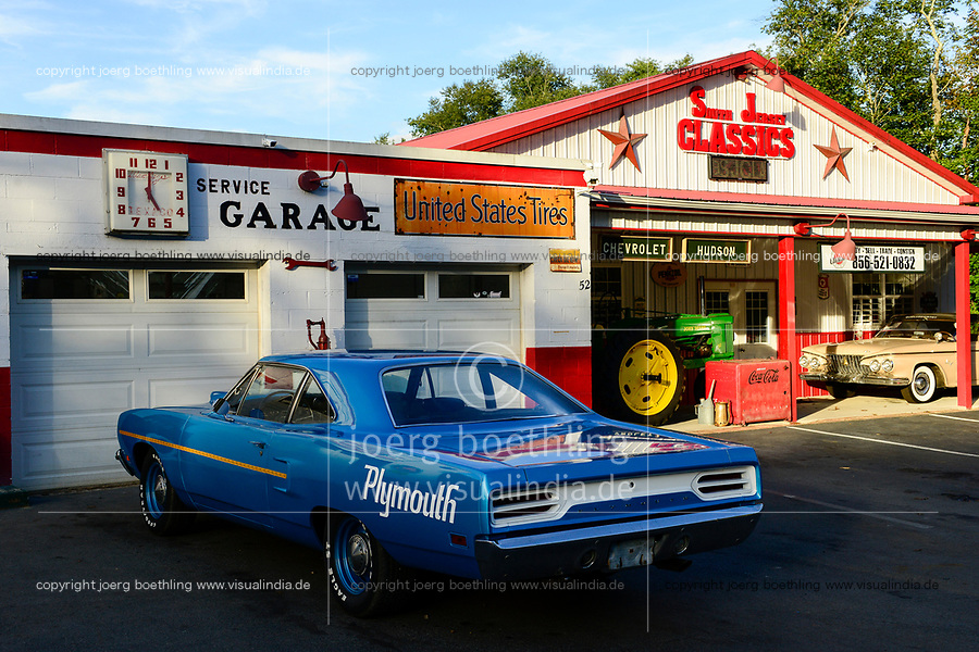 USA, New Jersey, classic car dealer and service