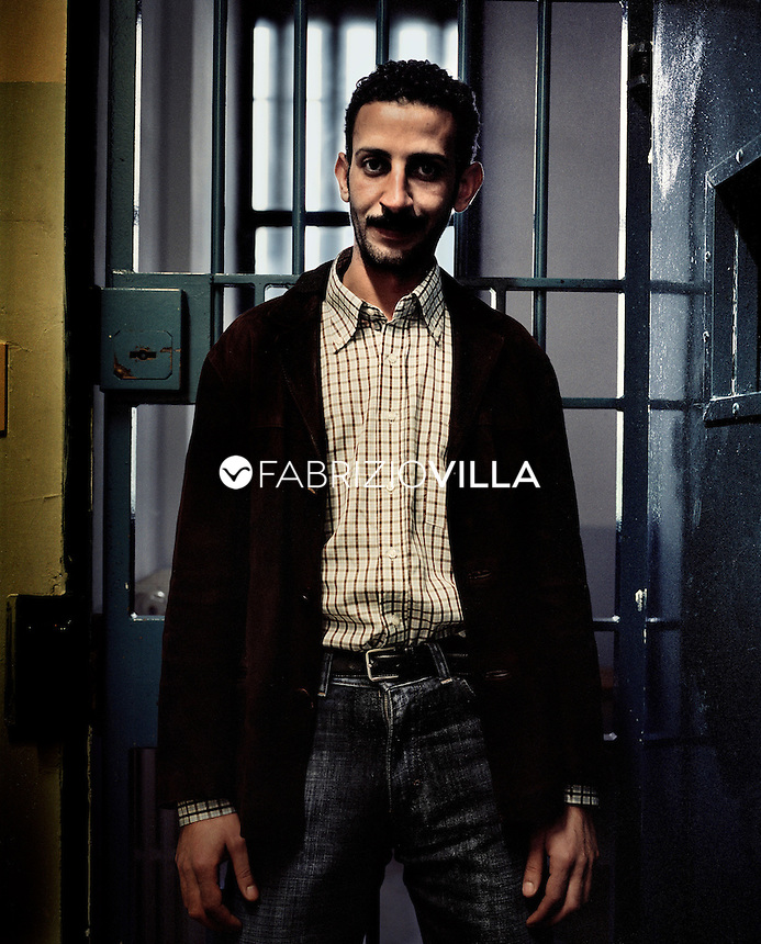 Carcere di Sollicciano Firenze ottobre 2004. Un detenuto islamico. Foto Fabrizio Villa
