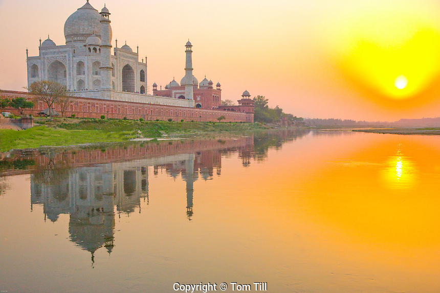 Taj Mahal seen from the Yamuna River    Agra, India   Taj Mahal  UNESCO World Heritage Site Built 1631 by Shal Jahan for wife Mumtaz Mahal