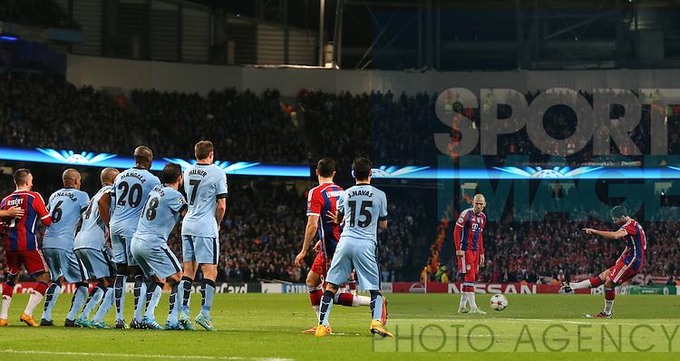 Xabi Alonso of Bayern Munich scores equalising goal from a free kick - UEFA Champions League group E - Manchester City vs Bayern Munich - Etihad Stadium - Manchester - England - 25rd November 2014  - Picture Simon Bellis/Sportimage