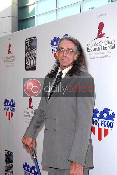 Peter Mayhew<br /> at &quot;The Empire Strikes Back&quot; 30th Anniversary Charity Screening Benefiting St. Jude Children's Research Hospital, ArcLight Cinemas, Hollywood, CA. 05-20-10<br /> David Edwards/Dailyceleb.com 818-249-4998