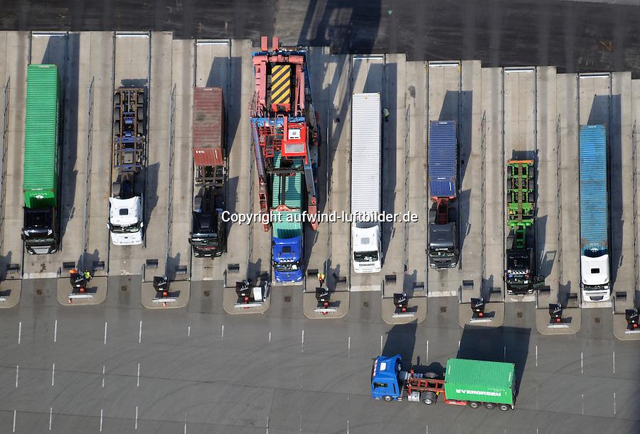 Container Verladung auf LKW am  Terminal  Tollerort: EUROPA, DEUTSCHLAND, HAMBURG, (EUROPE, GERMANY), 21.06.2016 Container Verladung auf LKW am  Terminal  Tollerort