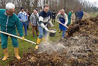 cascina Pirola, a Zelata di Bereguardo (PV), Agricoltura Biodinamica,filosofia antroposofica di Rudolf Steiner,Preparazione concime, fertilizzante