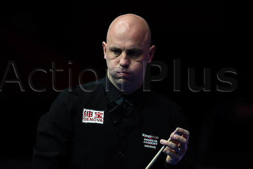 01.04.2016. Beijing, China.  Mark King of England prepares to take a shot during the match against Judd Trump of England at the 2016 World Snooker China Open in Beijing, capital of China, April 1, 2016.