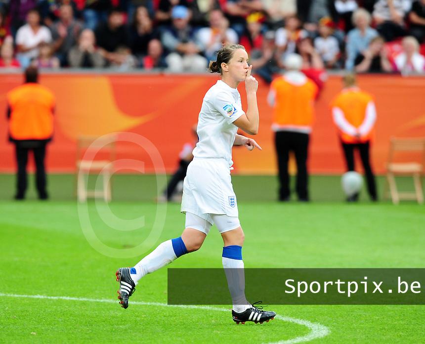 Fifa Women's World Cup Germany 2011 : England - France - at Leverkusen : Casey Stoney legt het publiek het zwijgen op.foto DAVID CATRY / Vrouwenteam.be