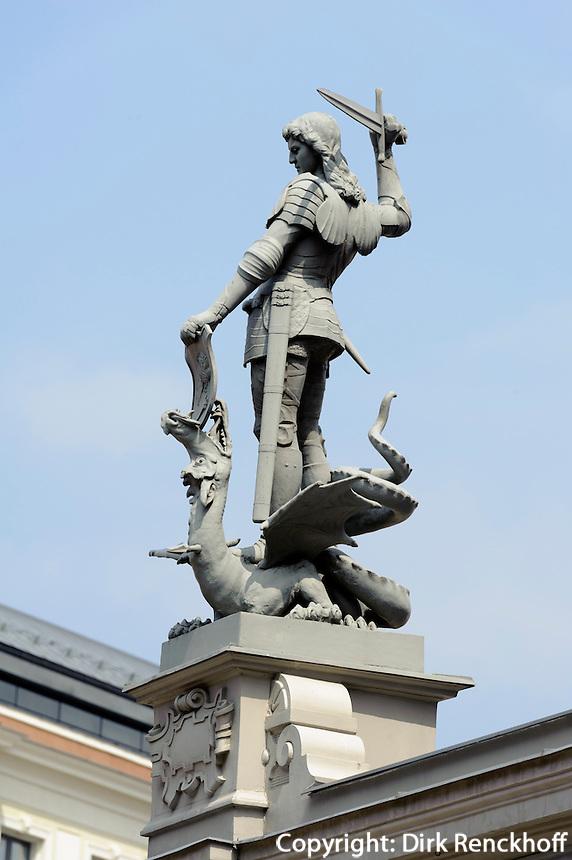 Drachentöter am Schwarzhäupterhaus in Riga, Lettland, Europa, Unesco-Weltkulturerbe