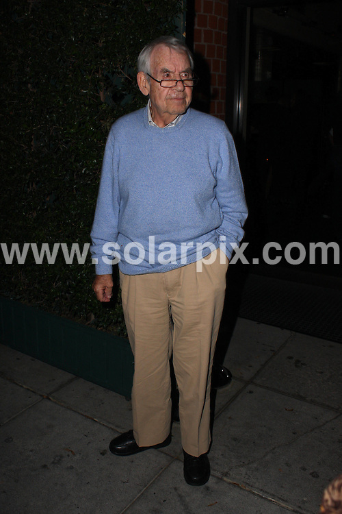 **ALL ROUND PICTURES FROM SOLARPIX.COM**.**WORLDWIDE SYNDICATION RIGHTS**.**NO PUBLICATION IN AUSTRALIA, NEW ZEALAND, DENMARK, GERMANY OR USA**.Tom Bosley attends a late dinner with friends at Mr. Chow Restaurant in West Hollywood USA..JOB REF: 7290           LAP/JC       DATE: 10.09.08.**MUST CREDIT SOLARPIX.COM OR DOUBLE FEE WILL BE CHARGED* *UNDER NO CIRCUMSTANCES IS THIS IMAGE TO BE REPRODUCED FOR ANY ONLINE EDITION WITHOUT PRIOR PERMISSION*