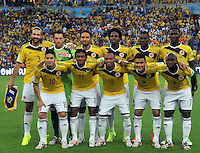 RIO DE JANEIRO - BRASIL -28-06-2014. Jugadores de Colombia (COL) posan para una foto durante los actos protocolarios previo al partido de los octavos de final con Uruguay (URU) por la Copa Mundial de la FIFA Brasil 2014 jugado en el estadio Maracaná de Río de Janeiro./ Players of Colombia (COL) pose to a photo during the formal events prior of the match of the Round of 16 against Uruguay (URU)Colombia (COL)  for the 2014 FIFA World Cup Brazil played at Maracana stadium in Rio do Janeiro. Photo: VizzorImage / Alfredo Gutiérrez / Contribuidor