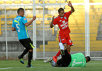 BOGOTA - COLOMBIA -19 -03-2016: Jimmy Mican (C.) jugador de Fortaleza FC  La Equidad disputa el balón con Camilo Perez (Izq) jugador y Diego Alejandro Novoa (Der) arquero de La Equidad, durante partido entre Fortaleza FC  y La Equidad por la fecha 10 de la Liga Aguila I-2016, jugado en el estadio Metropolitano de Techo de la ciudad de Bogota. / Jimmy Mican (L) player of Fortaleza FC  vies for the ball with Camilo Perez (Izq) player and Diego Alejandro Novoa (R) goalkeeper of La Equidad, during a match between Fortaleza FC and La Equidad for the  date 10 of the Liga Aguila I-2016 at the Metropolitano de Techo Stadium in Bogota city, Photo: VizzorImage  / Luis Ramirez / Staff.