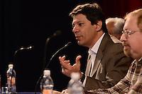 SAO PAULO, 31 DE JULHO DE 2012 - ELEICOES 2012 HADDAD - Candidato Fernando Haddad em reunião com representantes do Sinesp - Sindicato dos Especialistas em Educação do Ensino Público Municipal de Sao Paulo, no teatro Gazeta, regiao central da capital, na manha desta terca feira. FOTO: ALEXANDRE MOREIRA - BRAZIL PHOTO PRESS
