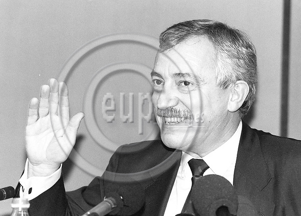 STRASBOURG - FRANCE - 20 January 1993 --  Uffe ELLEMANN JENSEN the Danish Foreign Minister on his last EU mission as minister during a visit to the European Parliament for the Danish Presidency.   PHOTO: ERIK LUNTANG / EUP-IMAGES