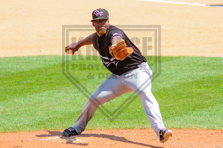 Quad Cities River Bandits pitcher Erasmo Pinles (27) during a Midwest League game against the Wisconsin Timber Rattlers on June 27, 2017 at Fox Cities Stadium in Appleton, Wisconsin.  Quad Cities defeated Wisconsin 6-5. (Brad Krause/Krause Sports Photography)