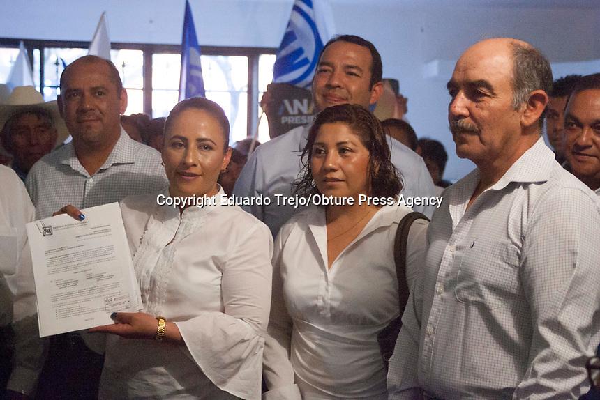 San Juan del Río, Qro. 12 abril 2018.- Registro de Veronica Hernandez para el Distrito 8 de SJR- Amealco