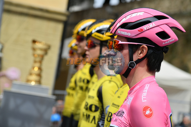 Race leader Primoz Roglic (SLO) and Team Jumbo-Visma at sign on before Stage 3 of the 2019 Giro d'Italia, running 220km from Vinci to Orbetello, Italy. 13th May 2019<br /> Picture: Gian Mattia D'Alberto/LaPresse | Cyclefile<br /> <br /> All photos usage must carry mandatory copyright credit (© Cyclefile | Gian Mattia D'Alberto/LaPresse)