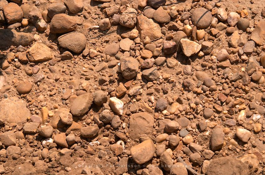 soil detail sandy soil vineyard mas du notaire rhone france