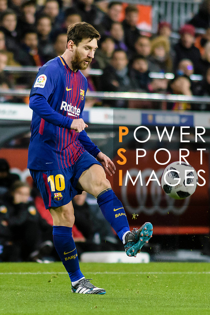 Lionel Messi of FC Barcelona looks to bring the ball down during the Copa Del Rey 2017-18 match between FC Barcelona and Valencia CF at Camp Nou Stadium on 01 February 2018 in Barcelona, Spain. Photo by Vicens Gimenez / Power Sport Images