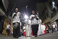 CAMPINAS, SP30.03.2018 - PROCISSAO SENHOR MORTO-Centenas de fi&eacute;is sa&iacute;ram &agrave;s ruas do centro de Campinas (SP) para relembrar a morte e a crucifica&ccedil;&atilde;o de Jesus Cristo na prociss&atilde;o do Senhor Morto, que ocorreu na noite desta sexta-feira (30). <br /> A prociss&atilde;o ser&aacute; presid&ecirc;ncia por Dom Airton Jos&eacute; dos Santos, Arcebispo Metropolitano de Campinas. (Foto: Denny Cesare/Codigo19)