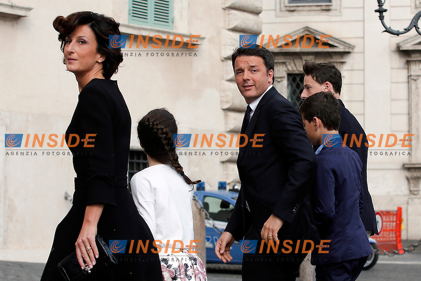 Matteo Renzi con la sua famiglia, la moglie Agnese ed il figli, Ester, Francesco ed Emanuele<br /> Matteo Renzi with his family, his wife Agnese, and their sons Ester, Francesco and Emanuele<br /> Roma 01-06-2016 Tradizionale ricevimento ai giardini del Quirinale per la festa della Repubblica.<br /> Rome 1st June 2016. Traditional party at Quirinal for the Anniversary of the Republic<br /> Photo Samantha Zucchi Insidefoto