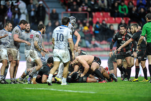 28.02.2016. Toulouse, Frace. Top14 rugby union league, Toulouse versus Montpellier.  Julien Marchand (st) loses his shirt in the tackle