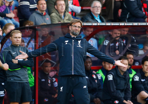 17.04.2016. Vitality Stadium, Bournemouth, England. Barclays Premier League. Bournemouth versus Liverpool. Liverpool manager Jurgen Klopp watches on as his side play out a comfortable away win.