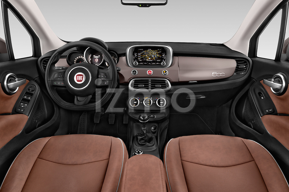 Stock photo of straight dashboard view of a 2015 Fiat 500X Lounge 5 Door SUV