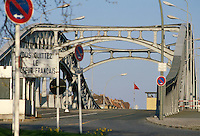 - Berlin wall, bridge of Bornholmer Strasse, exit from the French sector<br />