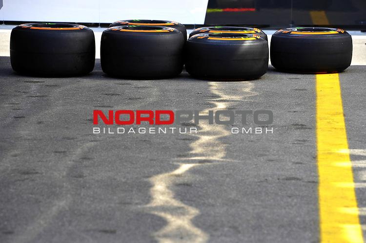 05.-08.09.2011, Autodromo Nationale, Monza, ITA, F1, Grosser Preis von Italien, Monza, im Bild  Pirelli Tyres  <br />  Foto &not;&copy; nph / Mathis
