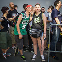I fans dei Limp Bizkit attendono con ansia l'inizio del concerto all'Alcatraz di Milano.<br /> <br /> Limp Bizkit fans eagerly waiting for the concert beginning at Alcatraz in Milan.