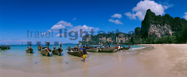 www.travel-lightart.com, ©Paul J. Trummer, Asia, Countries, Country, Geography, Thailand, Asien, Geografie, Länder, Siam, Staat, Staaten, Railey West Beach, near Krabi, Fishing-boats, Andamanensee, Gewässer, Indian ozean, Indischer Ozean, Landschaft, Landschaftsform, Landschaftsformen, Meer, Meere, Ozeane, Andaman Sea, bodies of water, body of water, Indean Ozean, landscape, landscape form, landscape forms, landscapes, ocean, oceans, ozeans, seas, beaches, coast, coastal landcsapes, coastline, coastlines, coasts, sand, sandy beach, sandy beaches, Küste, Küsten, Küstenlandschaft, Meeresstrand, Sandstrand, Sandstrände, Straende, Boot, Boote, Dinge, Fahrzeug, Fahrzeuge, Fischerboot, Fischerboote, Fischkutter, Gegenstand, Gegenstände, KFZ, Maritim, Sachen, Schiff, Schiffahrt, Schiffe, Transport, Transportformen, Transportmittel, Trawler, Verkehr, Verkehrsformen, Verkehrsmittel, Wasserfahrzeuge, boat, fisher boat, fisher boats, fishing boat, fishing boats, maritime, objects, ship, shipping, ships, things, traffic, transportation, transportations, vehicle, vehicles, cliff, cliffs, rocky coastline, rocky coastlines, Felsenküste, Felsenküsten, Felsküste, Felsküsten, Klippe, Klippen, Steilküste, Steilküsten