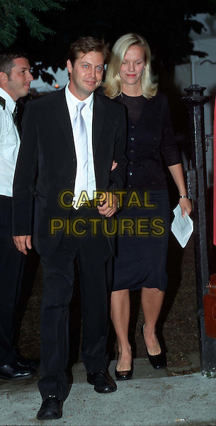 MATTHEW FREUD & ELIZABETH MURDOCH .Leaving David Frost's Summer Party.Ref: 9823 .celeb couple, full length, full-length.*RAW SCAN - photo will be adjusted for publication*.www.capitalpictures.com.sales@capitalpictures.com.© Capital Pictures