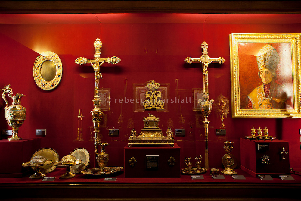 """Cabinet of relics and other objects associated with the cathedral and the coronation of the French kings, le Musée de l'Œuvre, Palais du Tau, Reims, France, 10 November 2015. In the centre may be seen the Sainte-Ampoule, or """"holy flask"""" which was made in 1822 to contain the holy oil with which new kings were anointed during coronation ceremonies."""