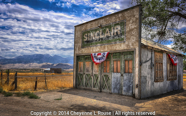 Small Town Americana - Utah - Old Sinclair Gas Station