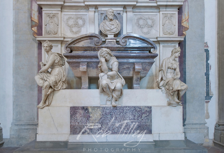 Europe, Italy, Tuscany, Florence, Michaelangelo's Tomb inside Basilica di Santa Croce