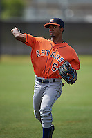 Houston Astros Osvaldo Duarte (64) warms up before an instructional league game against the Atlanta Braves on October 1, 2015 at the Osceola County Complex in Kissimmee, Florida.  (Mike Janes/Four Seam Images)