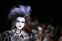 SÃO PAULO, SP, 12.04.2016 - CASA-CRIADORES - Desfile da grife Rober Dognani durante Casa dos Criadores realizado no Estúdios Quanta na região oeste da cidade de São Paulo nesta terça-feira, 12. (Foto: Vanessa Carvalho/Brazil Photo Press)