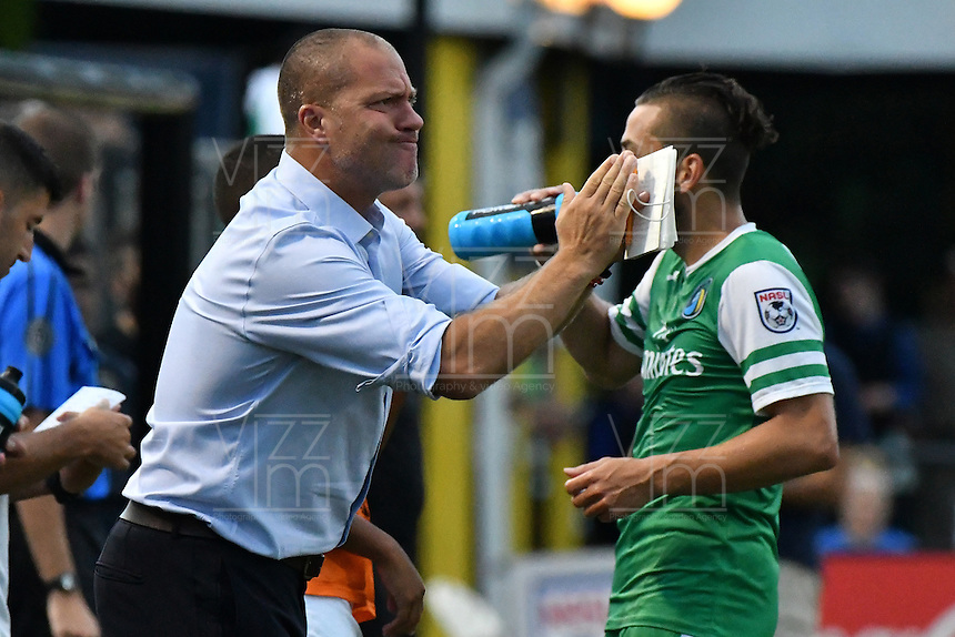 HEMPSTEAD - USA. 13-07-2016: Giovanni Savarese técnico de New York Cosmos gesticula durante el encuentro entre New York Cosmos y Jacksonville Armada FC por la temporada de otoño 2016 de la North American Soccer League (NASL) jugado en el estadio James M. Shuart Stadium de la ciudad de Hempstead, NY./ Giovanni Savarese coach of New York Cosmos gestures during match between New York Cosmos and Jacksonville Armada FC for the fall season 2016 of the  North American Soccer League (NASL) played at James M. Shuart Stadium in Hempstead, NY. Photo: VizzorImage/ Gabriel Aponte / Staff