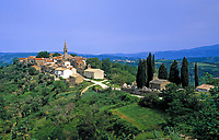Kroatien, Istrien, Draguc: Bergdorf im Norden | Croatia, Istria, Draguc: mountain village in the north