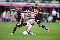 Newcastle, England - Friday, August 3, 2012: The USA women defeated New Zealand 2-0 in the quarterfinal round of the 2012 Olympics at St. James Park. Sydney Leroux passes the ball.