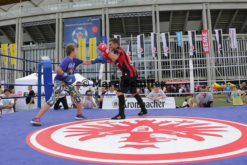 Eintracht Boxabteilung stellt sich vor - Eintracht Frankfurt Saisoneroeffnung