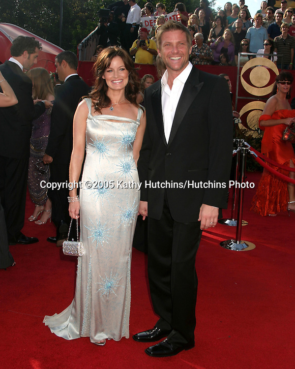 Laura Leighton.Doug Savant.Primetime Emmys 2005.Shrine Auditorium.Los Angeles, CA.September 18, 2005.©2005 Kathy Hutchins / Hutchins Photo