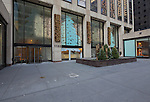 2014 11 30 1133 Ave of the Americas exterior holiday decor by David Beahm