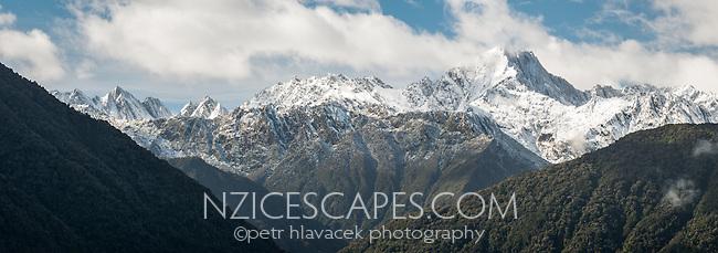 Southern Alps near Fox Glacier after fresh snowfall, Westland Tai Poutini National Park, UNESCO World Heritage Area, West Coast, New Zealand, NZ