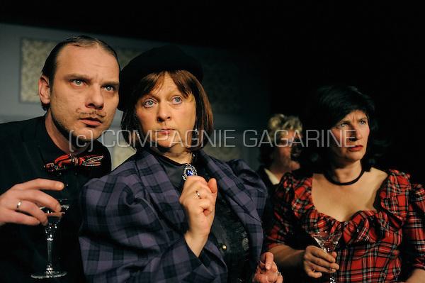 """Hofpoorttheater Elckerlijc playing """"Spotgeesten"""" from Noel Coward, directed by Stijn Van De Wiel (Belgium, 27/11/2008)"""