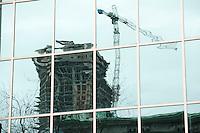 Olympiastadt Vancouver 2010..Baustellen in Vancouver, Spiegelung