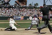 J.T. Snow. Chicago Cubs vs San Francisco Giants. San Francisco, CA 8/7/2004 MANDATORY CREDIT: Brad Mangin