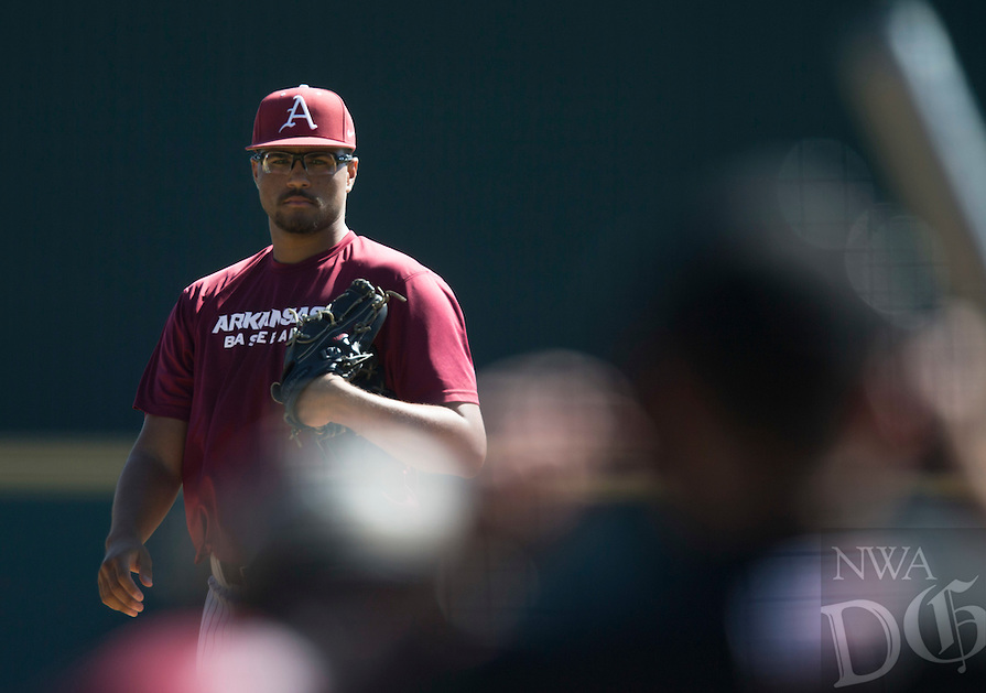 HAWGS ILLUSTRATED JASON IVESTER<br /> Arkansas Cardinal-Gray baseball Fall World Series on Monday, Oct. 17, 2016, at Baum Stadium in Fayetteville.