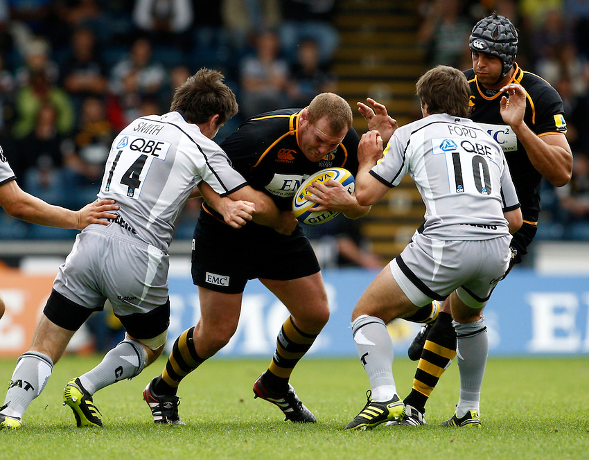 Photo: Richard Lane/Richard Lane Photography. London Wasps v Leicester Tigers. 11/09/2011. Wasps' Tim Payne attacks.